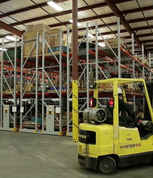 Turbine Spare Part Storage on a Mobile Racking System