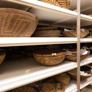museum-storage-shelving-spacesaver