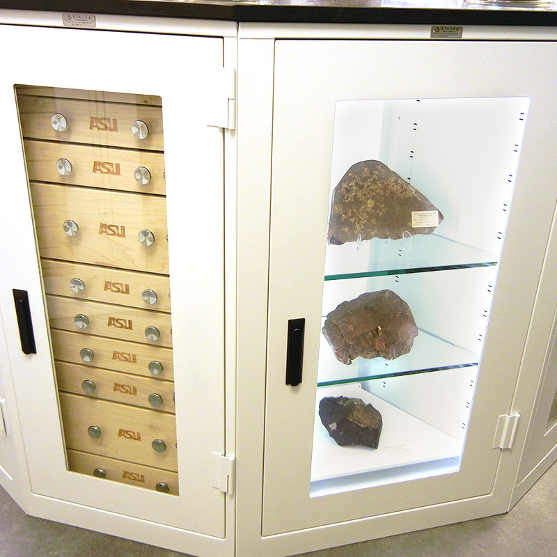 custom-museum-cabinets-display-lighting-storage