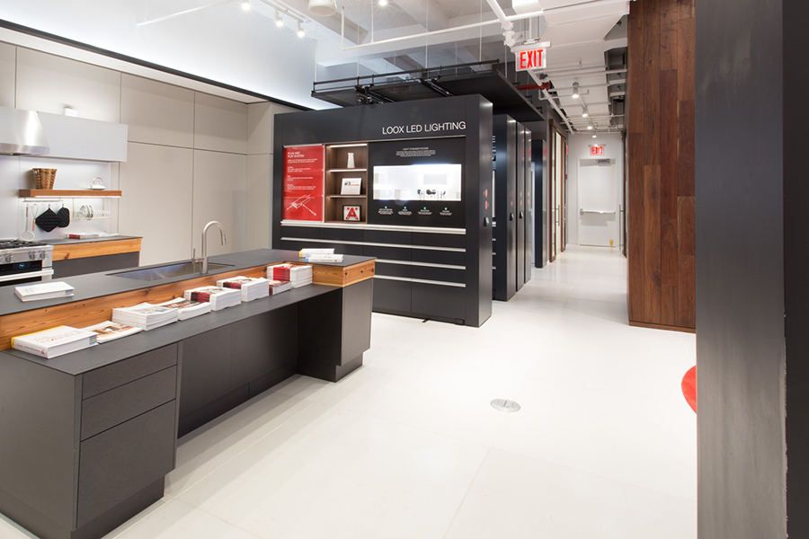 showroom high-end shelving display systems