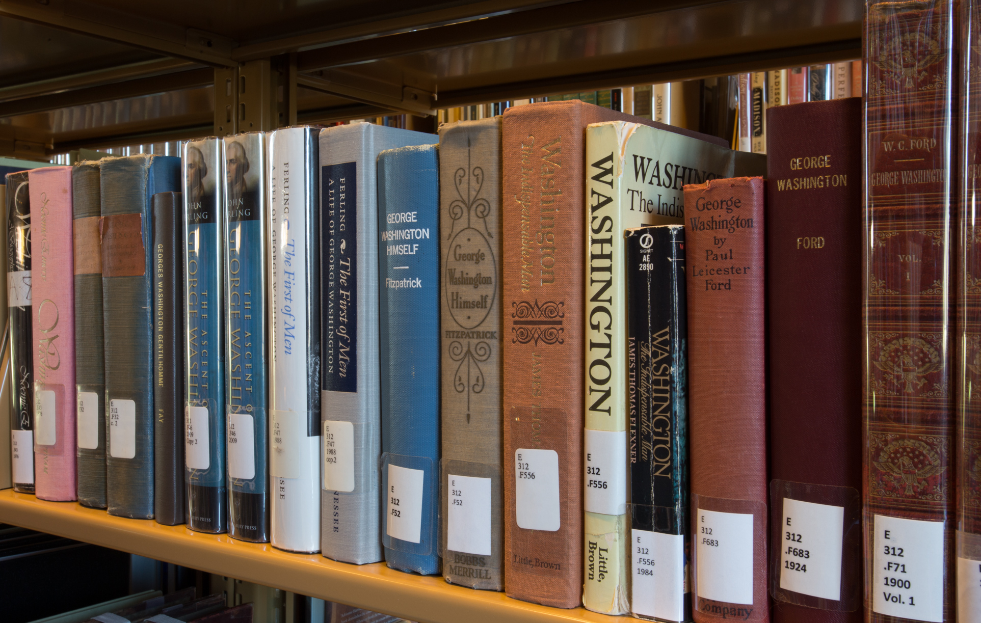 Open stacks at the George Washington Library