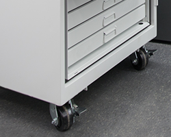 920 Cabinet with Casters