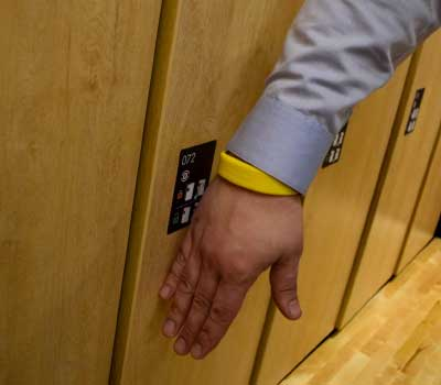 hands free day use lockers