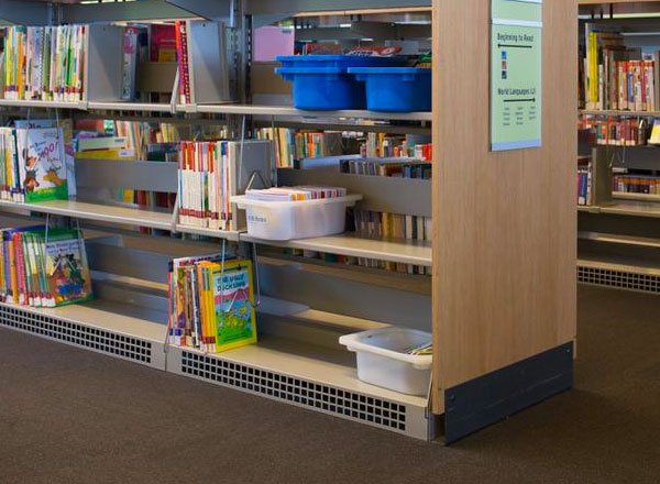 shelving with air return systems