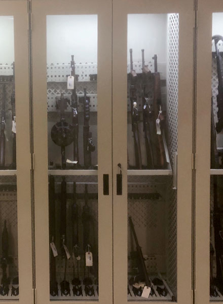 weapon display museum quality cabients