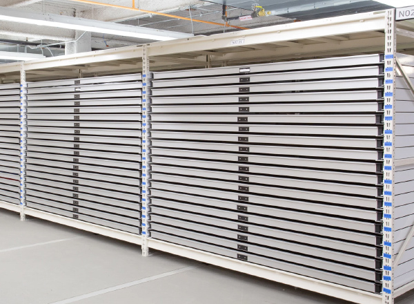 wide-span shelving pull-out trays