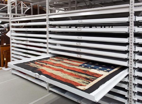 wide long flat tray storage system