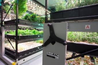 Farm.One, spacesaver, shelves that move
